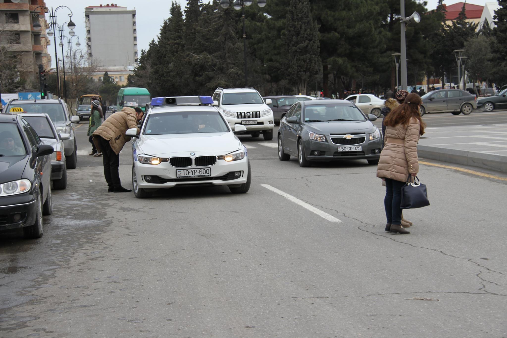 Sumqayıtda hansı yol polisi əməkdaşları yol hərəkəti qaydalarını pozur? - FOTOFAKT