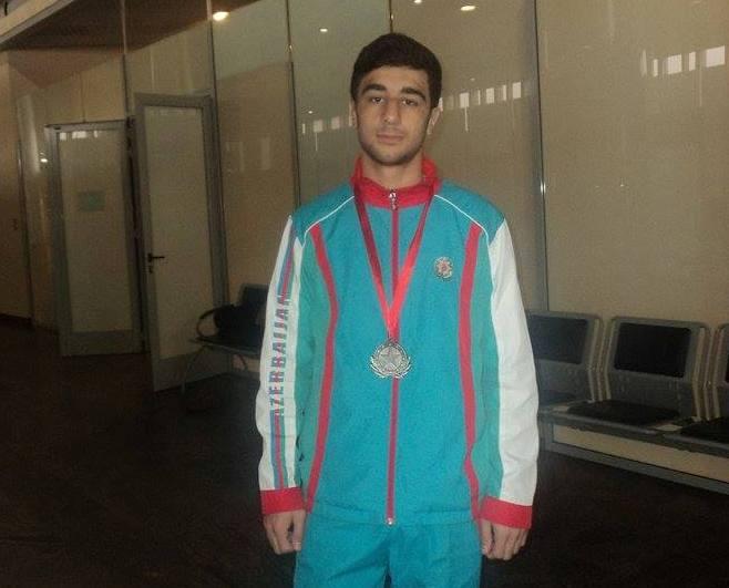 Sumqayıtlı idmançı qazandığı medalı itirdi- VİDEO