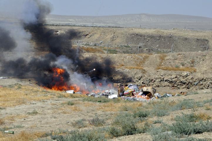 Sumqayıtda Ermənistan məhsulları yandırıldı- FOTOLAR