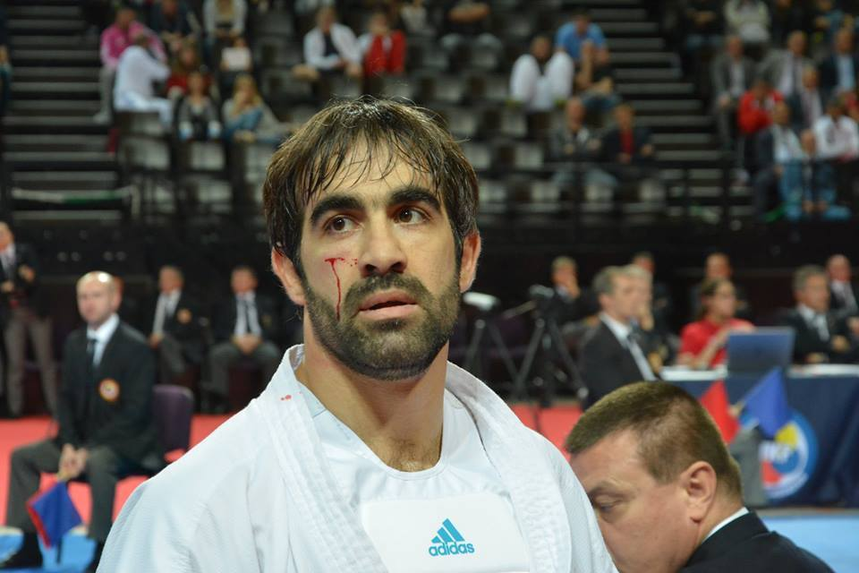 Sumqayıtlı karateçini Fransada böyük azarkeş ordusu qarşılayıb - VİDEO