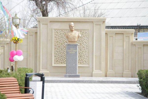 Sumqayıtda parkın təmirdən sonra açılışı olub: Tağıyevin büstü  qoyuldu -VİDEO + FOTOLAR