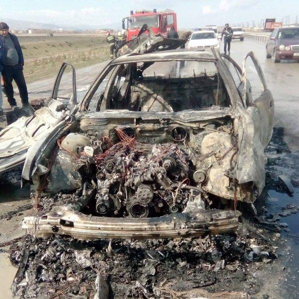 Sumqayıtda idmançının avtomobili belə yandı - VİDEO+FOTOLAR