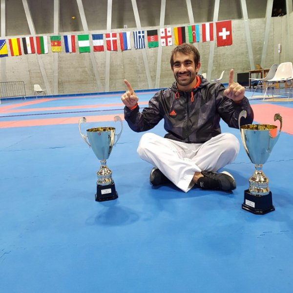 Rafael Ağayev beynəlxalq karate turnirində ikiqat qalib oldu - FOTO