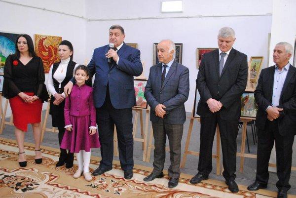 """Sumqayıtda rəssam Mehriban Əliyevanın """"Rənglərin dünyası"""" sərgisi - FOTOLAR"""