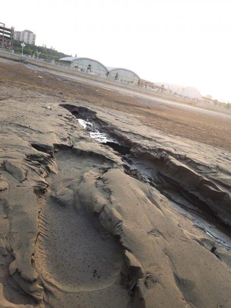 Sumqayıtda çirkab sular təmizlənmədən dənizə axıdılır - AÇIQLAMA (FOTO)