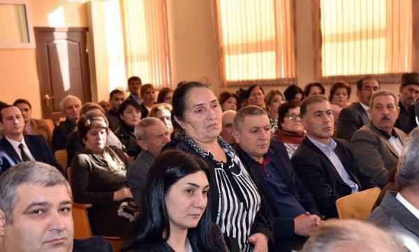 Zakir Fərəcov sakinlərlə görüşdü, problemlərini dinlədi – FOTOLAR