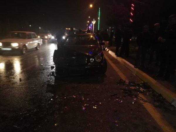 Sumqayıtda iki maşın toqquşdu - VİDEO (FOTO)