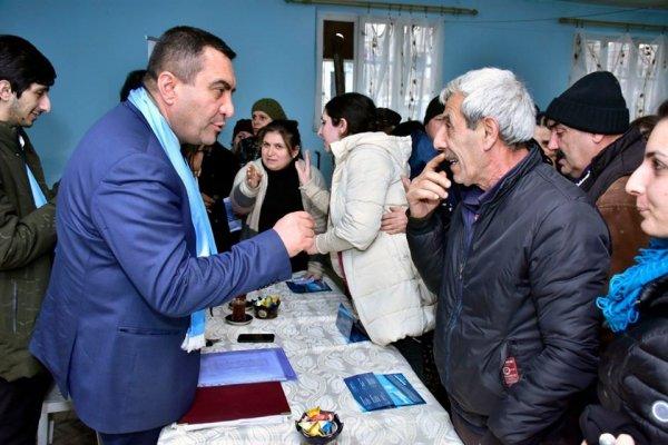 """Müşfiq Məmmədli: """"Deputat öz səlahiyyətinə daxil olan məsələlərlə bağlı vəd verməlidir"""" - FOTOLAR"""