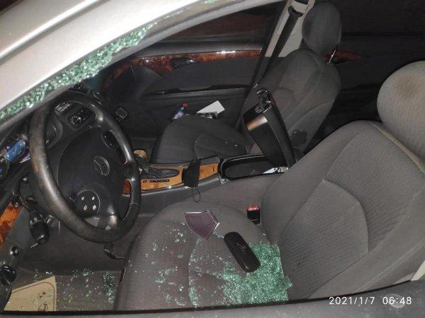 Sumqayıtda jurnalistin avtomobilindən oğurluq edildi - FOTO