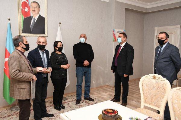 Deputat Sumqayıt teatrının kollektivi ilə görüşüb - FOTOLAR