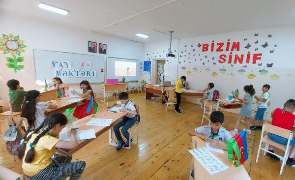 """Sumqayıt məktəblərində """"Yay məktəbi"""" nə start verildi: açıq havada dərs keçdilər - FOTOLAR"""