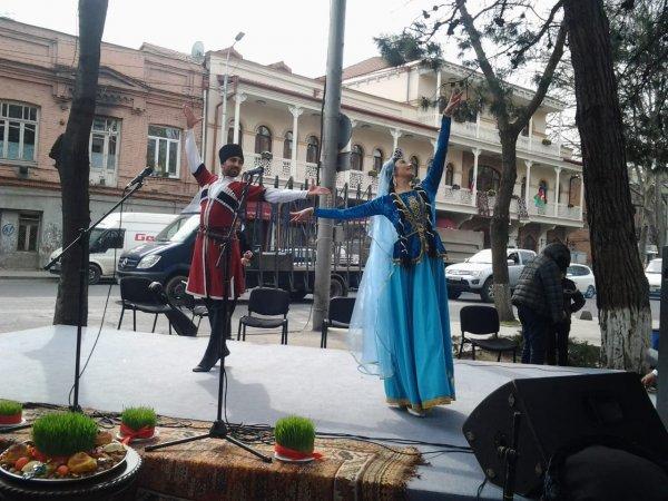 """Sumqayıt Regional Mədəniyyət İdarəsinin musiqi kollektivi Gürcüstanda """"Novruz"""" tədbirlərinə qatılıb - FOTOLAR"""